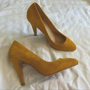 Aldo mustard yellow suede heels